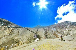 炎天下の十勝岳頂上直下、著者撮影