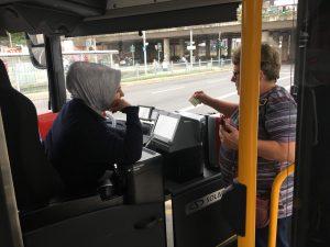 ベンツのバスの次に