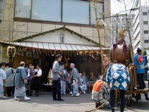 東京の神田祭。神田明神は、反抗の人、平将門を祭っています。