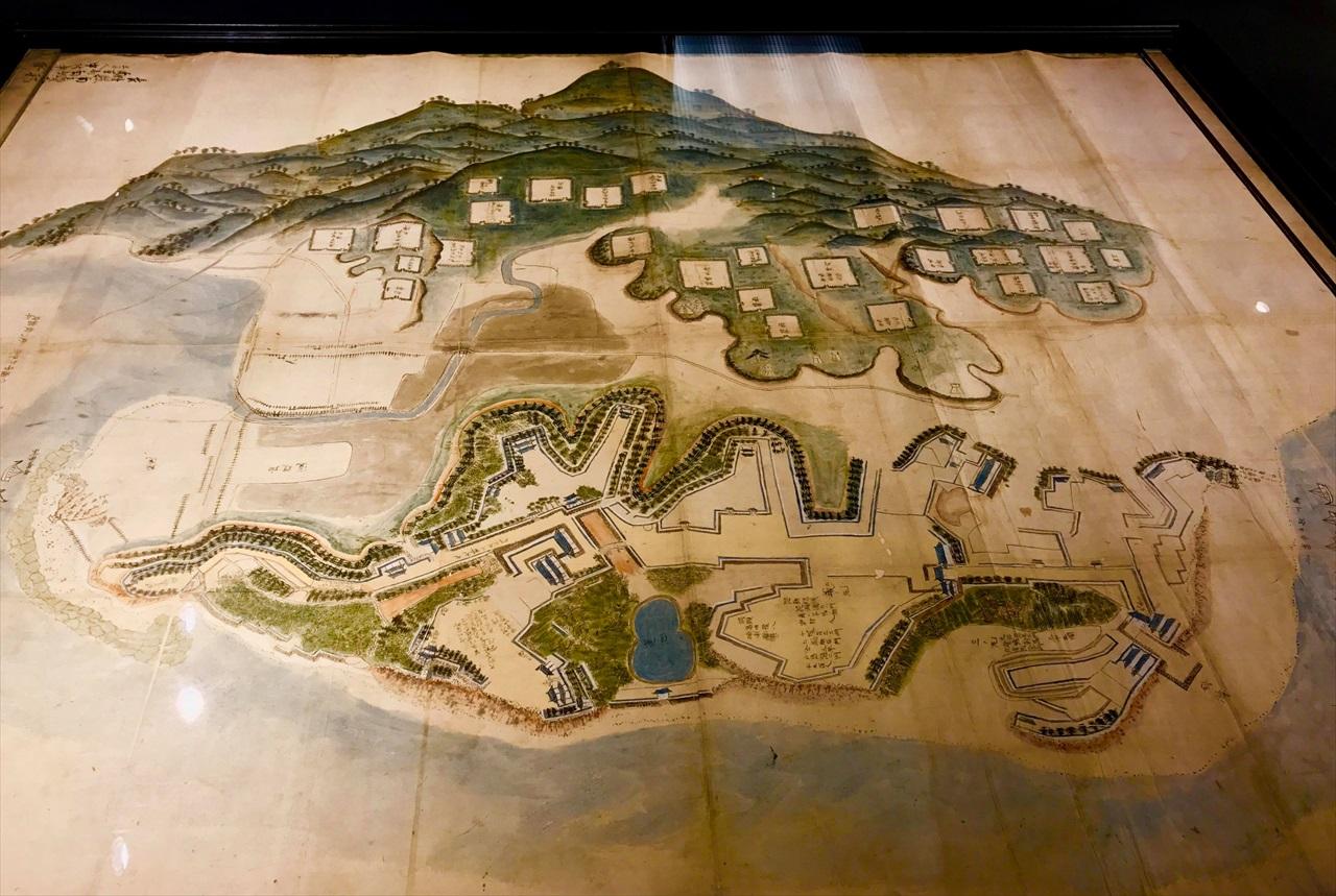幕府軍布陣と一揆軍原城籠城図。南有馬の記念館にて、筆者撮影。