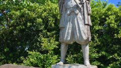 長崎原爆祈念像製作者でもある北村西望による天草四郎像(原城本丸跡)