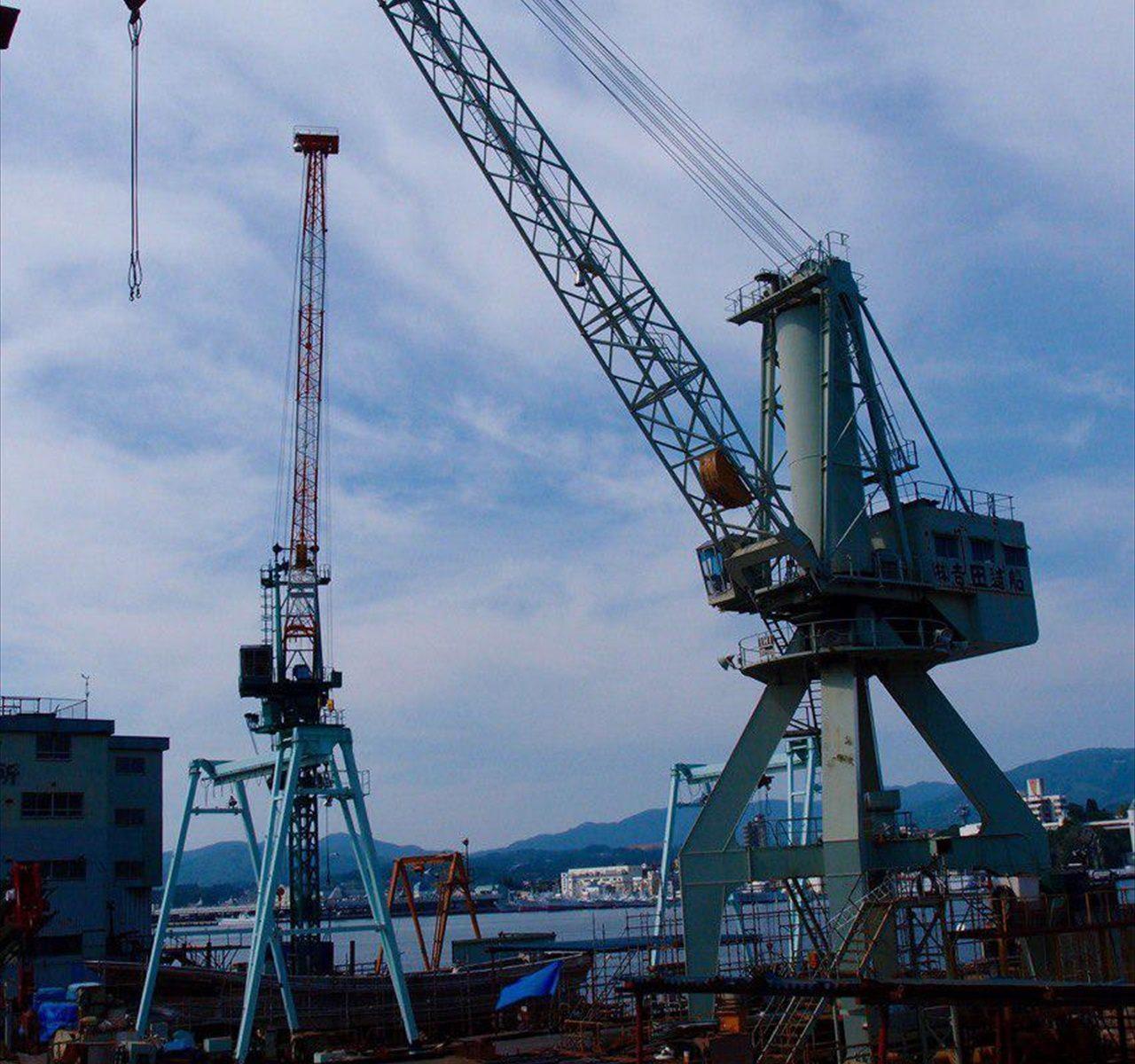 日本が世界に誇る気仙沼の造船所です。世界から中古漁船ですが、高価格で取引されるハイ・スペックなのですが、「漁船?」というゼネコンや中央省庁、また県庁も、その実力をどうも知らないようです。