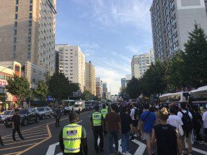 大通りを進む仁川クィアパレード(画像:筆者)